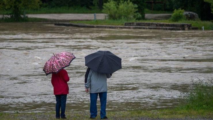 Die Wasserpegel in den Flüssen haben sich nach den starken Regenfällen stabilisiert. (Archivbild von 2013)