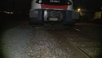 Lenzburg: Zug auf Abstellgleis entgleist
