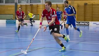 Cédric Mendelin (am Ball) scheiterte mit Basel Regio knapp an Lok Reinach.