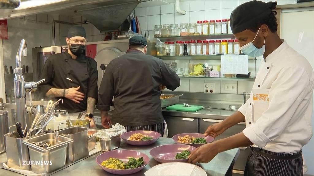 8 Gastro-Lehrlinge in Ottikon sollen dank Spenden ihre Stelle behalten dürfen