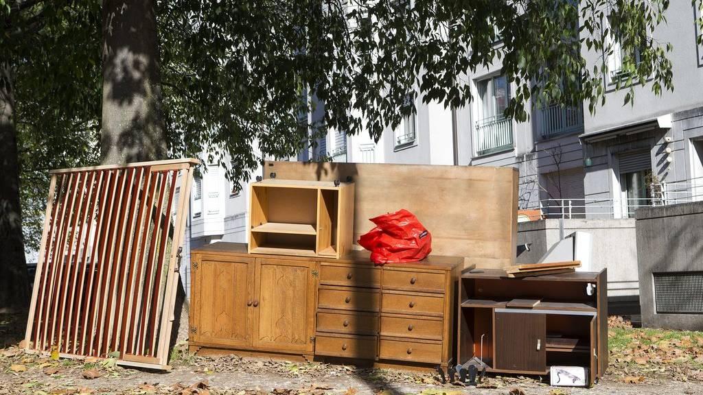 «Gratis zum Mitnehmen» - darf ich so meine Möbel loswerden?