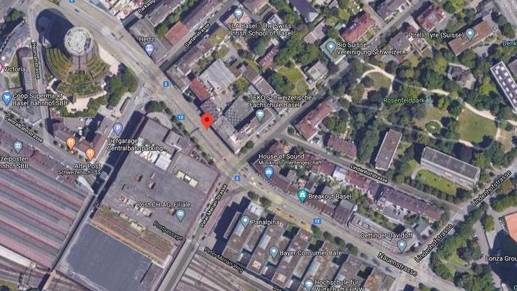 Lieferwagen flüchtet nach Kollision mit einem Rollerfahrer in der Nauenstrasse.