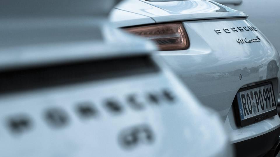 Porsche verkauft Sportwagen nun auch online