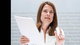 Parteipraesidentin und Nationalraetin Petra Goessi, SZ, von der FDP die Liberalen Schweiz, aeussert sich an einer Medienkonferenz zur Umfrage ueber eine liberale Umwelt- und Klimapolitik, am Mittwoch, 28. Maerz 2019, in Bern. (KEYSTONE/Peter Schneider)