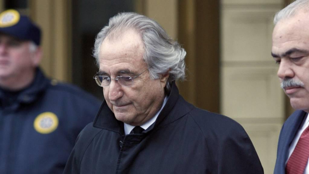 Der weltbekannte Finanzbetrüger Bernie Madoff ist in einem US-amerikanischen Gefängnis gestorben. Er galt als Mastermind eines historischen Finanzschwindels. (Archivbild)