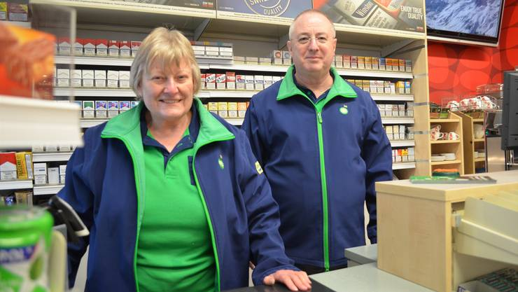 Pächterpaar Daniela und Yves Polin an ihrem letzten Arbeitstag in der BP-Tankstelle in der Aarauer Telli.