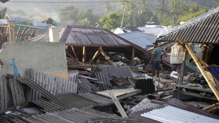 Das schwere Erdbeben vor knapp einer Woche auf der indonesischen Ferieninsel Lombok hat weit mehr Menschen das Leben gekostet als bisher vermutet. Die offizielle Zahl habe nun 387 Todesopfer erreicht, sagte ein Sprecher der nationalen Katastrophenschutzbehörde. (Archivbild)