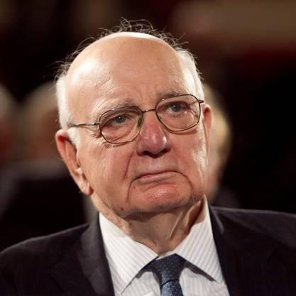 Paul Volcker Vorsitzender des Komitees, das nach nachrichtenlosen Vermögen auf Schweizer Banken gesucht hatte