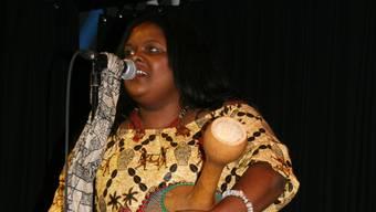 Claudia Masika sang sich in die Herzen der Zuhörer.