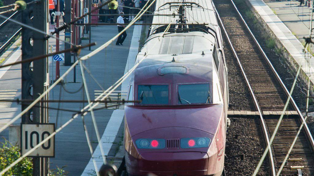 Der Thalys-Zug am Donnerstag im nordfranzösischen Arras, wo die Polizei den Schützen festnahm.