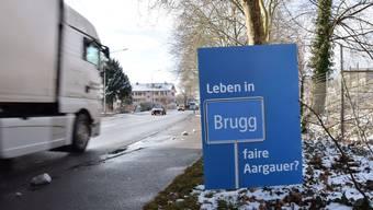 Dieses Plakat steht an der Zurzacherstrasse in Brugg.