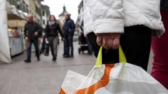 Am 2. April können die Solothurner auch am Sonntag einkaufen. (Themenbild)
