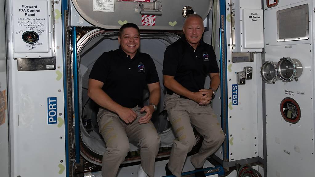 Die «Crew Dragon»-Kapsel mit zwei US-Astronauten an Bord dockte von der Raumstation ISS ab, wie die US-Raumfahrtbehörde Nasa mitteilte. (Archivbild)