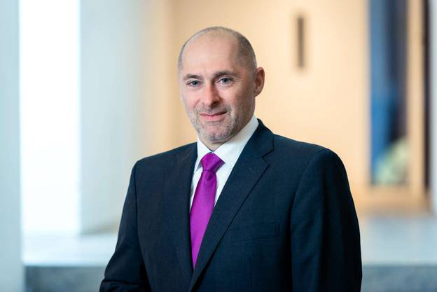 Der 50-Jährige ist seit 2008 Mitglied des Hessischen Landtags. Von 2009 bis 2014 war er stellvertretender Vorsitzender, von 2014 bis 2017 Parlamentarischer Geschäftsführer und seit 9. Mai 2017 ist er Vorsitzender der FDP-Fraktion im Hessischen Landtag.