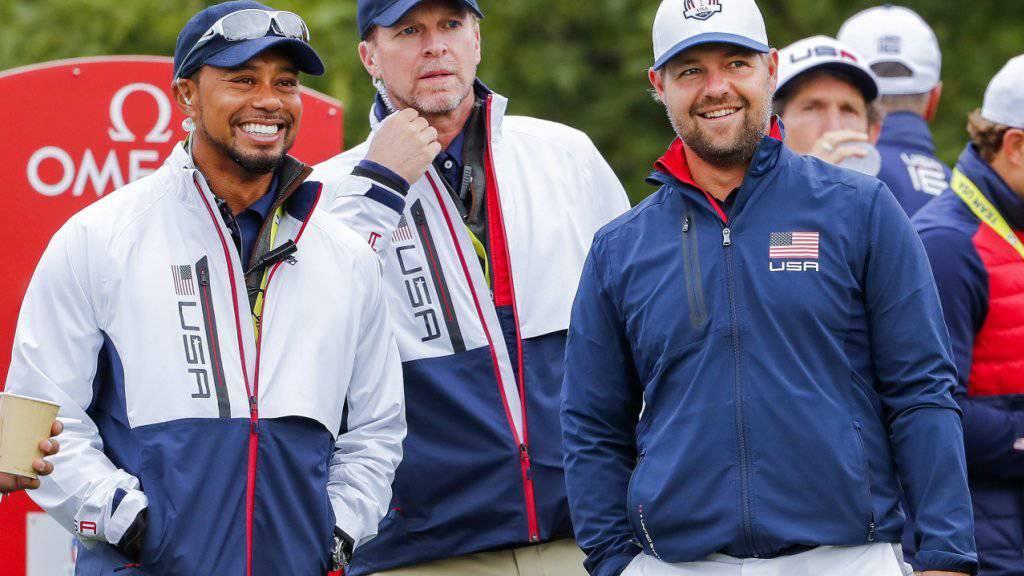 Steve Stricker (Mitte) gehörte am Ryder Cup 2016 zusammen mit Tiger Woods (links) zu den Vizecaptains im US-Team