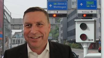 SVP-Grossrat Martin Keller erhebt Vorwürfe gegen den Stadtrat Baden. (Bildmontage)