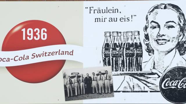 Plakat am Schweizer Sitz des Getränkeherstellers Coca-Cola (Archiv)