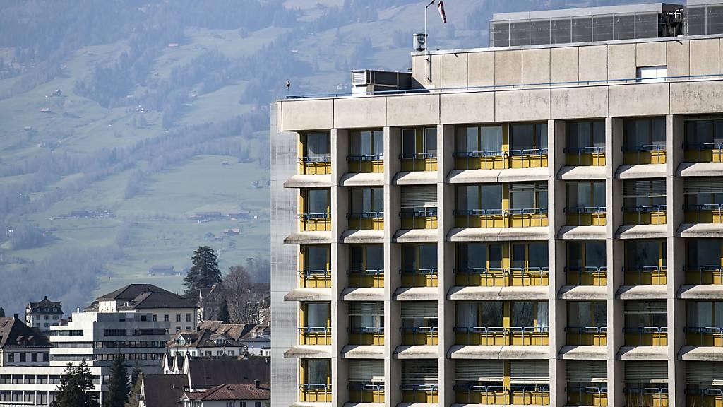 In Schwyz soll bei einer allfälligen zweiten Welle kein spezielles Covid-19-Spital eingerichtet werden. (Archivbild)