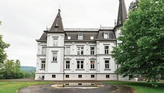 Die Bad Zurzacher haben ihr Schloss wieder: Ob sie bereit sind, sich zu beteiligen, muss die Gemeindeversammlung zeigen.