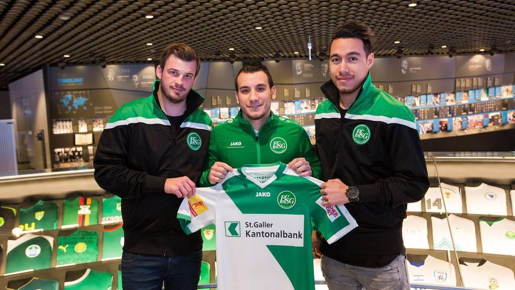 Pascal Signer (Leiter eSport), Bruno «Brunisco» Bardelas und Thomas Temperli (Coach von Bardelas).