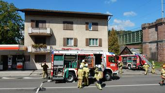 Unmittelbar neben dem Grenzübergang in Koblenz brach ein Feuer aus. Die Feuerwehr konnte den Brand problemlos löschen.