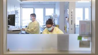 Im Bürgerspital Solothurn und Kantonsspital Olten wurden Isolierstationen ausschliesslich für Covid-Patienten geschaffen. (Archivbild)