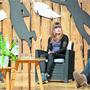 Julia Gisler und Werner Isch (r.) sprechen zusammen mit Moderator Adrian Krebs über ihr Loslassen.