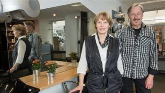 Christine und Felix Wörndli geben ihr Coiffeurgeschäft in der Badener Rathausgasse auf und gehen auf Weltreise. Alex Spichale