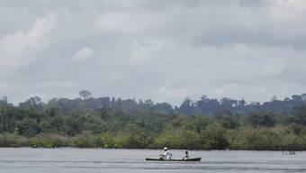 Fischer auf dem brasilianischen Fluss Xingu, nach dem auch der Nationalpark benannt ist (Archiv)