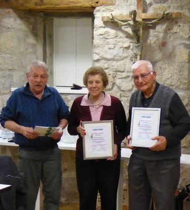 Die Ehrenmitglieder Liliane Jordi und Kegork Torosyan sowie Hans Zemp (30 Jahre).