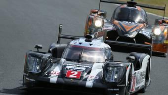 Neel Jani im Porsche 919 Hybridmit der Nummer 2 fährt im Training in Le Mans die schnellste Zeit