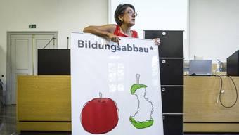 Kathrin Scholl-Debrunner an der ausserordentliche DV des Lehrerverbandes.