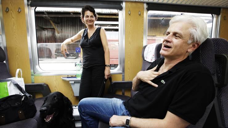 Handarbeit: In vielen Regionalzügen müssen sich überhitzte Gemüter immer noch selber behelfen. (Susi Bodmer)