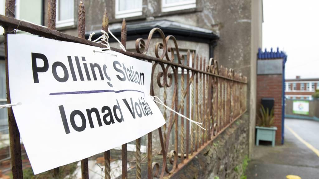 Kopf-an-Kopf-Rennen bei Wahl in Irland - Erfolg für Sinn Fein