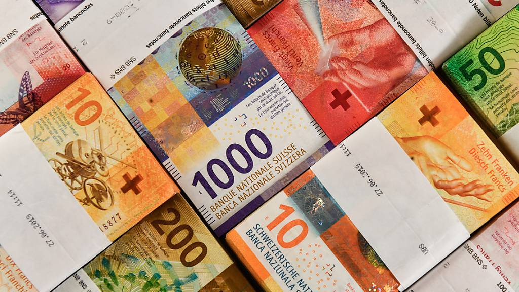 Die Corona-Krise hinterlässt ein Loch in der Bundeskasse. Der Bundesrat rechnet mit einem ordentlichen Defizit von 3,1 Milliarden Franken im laufenden Jahr. (Themenbild)