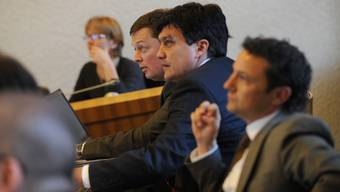 Fiko-Mitglied Michael Herrmann stimmte der Vorlage zu, Christoph Buser und Rolf Richterich (v.r.) enthielten sich der Stimme. bz-Archiv/Jun