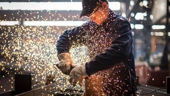 In der Maschinen-, Elektro- und Metallindustrie klagen viele Firmen über einen Auftragsmangel. (Symbolbild)
