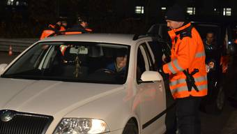 Die Regionalpolizisten kontrollierten 98 Fahrzeuge und überprüften dabei selbstverständlich auch die Ausweise der Fahrerinnen und Fahrer. sl