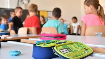 Die Gesetzesinitiativen «Stopp dem Abbau an den öffentlichen Schulen» und «Bildungsreserven gerecht verteilen und für das Wesentliche einsetzen» hat der LVB im Mai 2017 eingereicht.