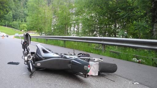26-jähriger Motorradfahrer verliert Kontrolle und verunfallt tödlich