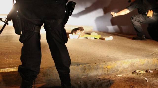 Polizisten an einem Tatort in Guerrero (Archivbild)