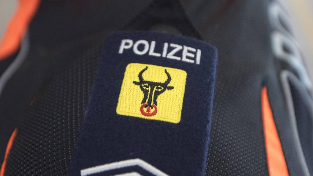 Verkehrsunfälle auf der A2 und der Sustenpassstrasse haben am Montag die Kantonspolizei Uri auf Trab gehalten. (Symbolbild)