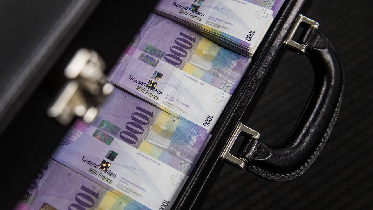 Geld Koffer Tausend Franken Million