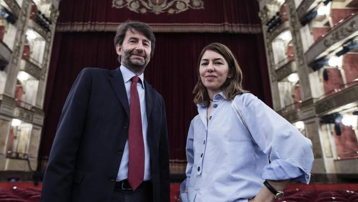 """Sofia Coppola und der italienische Kulturminister Dario Franceschini während einer Probe der """"La Traviata"""" in Rom."""