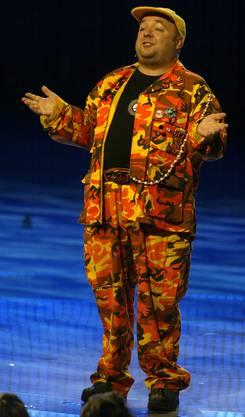 Der Komiker Dirk Bach während seines Moderationsauftrittes bei der Verleihung der Echo-Musikpreise in Berlin