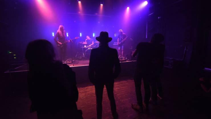 Die Tessiner Band Peter Kernel sprang kurzfristig ein und gab am Samstag im Soca ein Konzert, das ein grösseres Publikum verdient hätte.