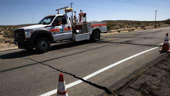 Das Beben in Südkalifornien sorgte in der Stadt Ridgecrest für Risse in Strassen.