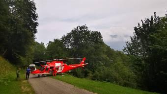 Eine Crew der Rega brachte den schwer verletzten Pilzsammler von Roveredo ins Regionalspital Lugano Civico.