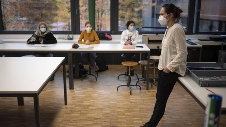 Für Lehrer im Kanton Solothurn gilt Maskenpflicht. (Themenbild)