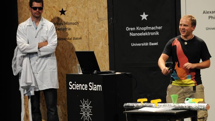 Science Slam der Uni Basel vom Jahr 2016 auf der Kleinen Bühne.